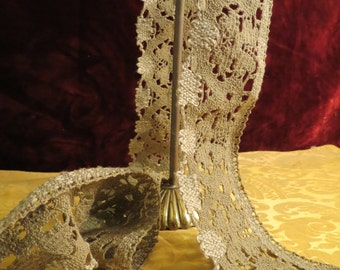 Unusual Vintage Lace Trim