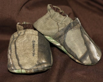 Realtree baby shoes camo baby shoes camouflage baby camo slippers realtree clothes newborn camo durable camo baby shoes rubber soles
