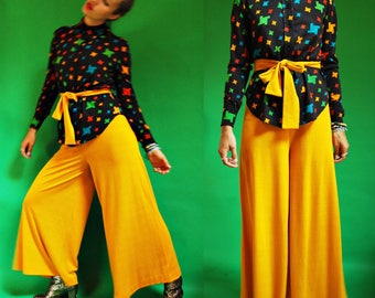 1970s Mustard Yellow Palazzo Pant Suit with Tetris Print Blouse