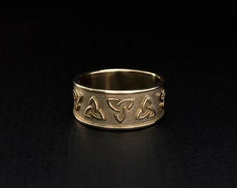 Celtic wedding band, Celtic knot ring, Triad ornament ring, Band for men for women, Wide wedding ring, Celtic gold band, Ring 14k solid gold