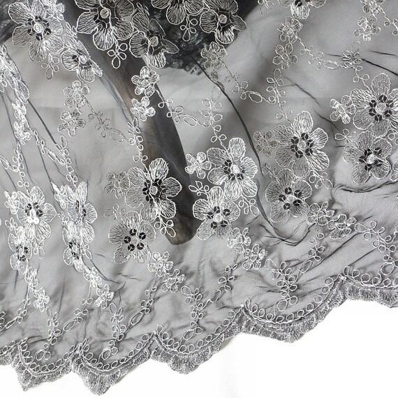 floraler spitze stoff durch den hof blume stickerei stoff. Black Bedroom Furniture Sets. Home Design Ideas