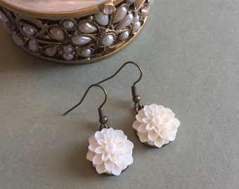 White Flower Earrings, White Earrings, White Jewelry, White Flower Jewelry, Flower Jewelry, Mum Earrings, Dahlia Earrings, Gift under 20