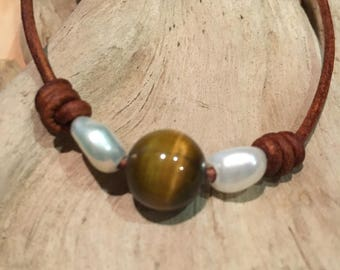 Tiger Eye choker necklace, pearls and leather, Chakra jewelry, adjustable necklace, boho chic necklace, brown leather