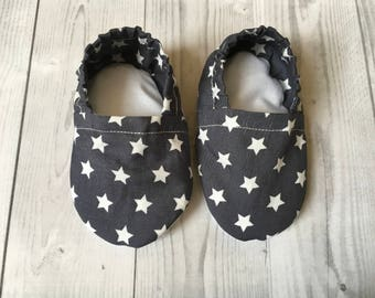 star baby shoes, pram shoes, baby shower gift, baby booties, moccs, crib shoes, fabric baby shoes, grey shoes, baby slippers, infant crawler