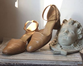 Vintage leather shoes, Salamander German shoes, ankle strap shoes, cut out dotted beige shoes, all leather chunky heels, elegant shoes