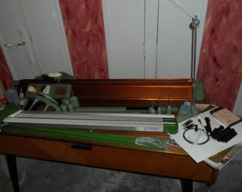 2 knitting machines SINGER CHANTELAINE SUPERBA, with many accessories, manuals, guides / sewing machine