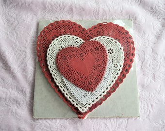 Vintage 144 PAPER HEART DOILIES Red White Shape Doily Valentine Craft Party Diecut Lot Seal Unused Package Lace Cutout Die Cut Nos Cut Out