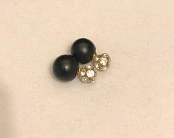 Double sided black earrings