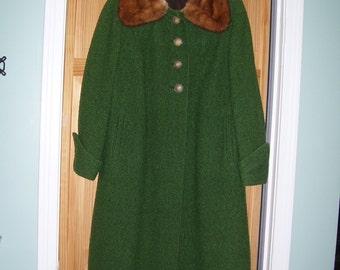 Juilliard Green Wool Coat Fur Collar sz 10/12 CLEAN Drapes Well Warm 50s Vintage