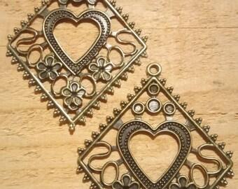 1 charm filigree hollow bronze shape diamond with inner heart