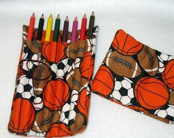 Crayon de couleur rouleau avec couvercle tiendra 8 crayons de couleur - Choisissez votre faveur du parti de tissu - fête de l'art - anniversaire - cadeau enfant-
