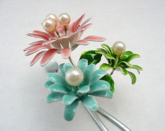 Vintage kanzashi - special day hair ornament - enamel and hoax pearls - WhatsForPudding #2195