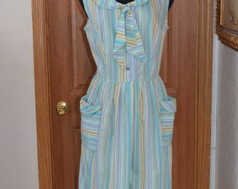 vintage 50s 60s day dress. pastel stripes with petal collar and patch pockets. Shirtwaist style Nautical collar. Bust 44 VFG