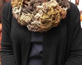 crochet cowl / scarf