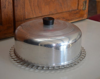 Round Aluminium Vintage 2-Piece Cake Carrier With Elegant Glass Underplate