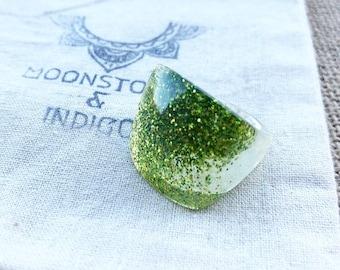 Green Resin Ring - Green Ring - Glitter Ring - Resin Ring - Resin Jewellery - Nature Jewellery - Ring size 6-7- Green Jewellery- Womens Gift