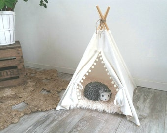 Small size pet teepee including pillow. Chihuahua, rabbit, hedgehok, kitten bed. Small pet home. tepee wigwam