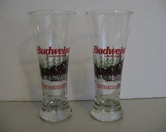 1996 - 2 Budweiser King Of Beers - Clydesdale - Christmas Holiday- Pint Glasses
