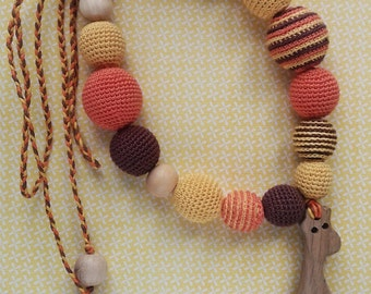 Crochet teething wooden animal giraffe beads for moms and children For baby teeth Crochet nursing necklace beads for baby first baby gift