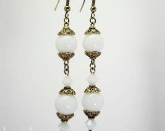 White plain and gold glass and crystal earrings antique - romantic Collection