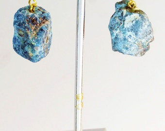 Rough Apatite Earrings w/ Gold Plated Earwire (ER66BT)