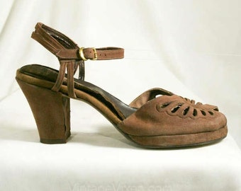 Size 5 40s Shoes - Mocha Brown Suede 1940s Heels with Butterfly Cutwork - Soft Leather - Open Toe - Size 5 Narrow - 5N - Deadstock - 40293-1
