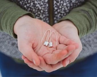 Minimalist Beaded Wire Earring