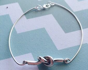 Knot Wire Bracelet