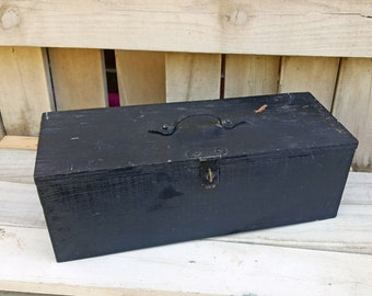Old Black Toolbox Tackle Box Painted Wood Fishing Woodworking Hammered Handle Tee Hinges Provenance Anderson Family Canby Minnesota 15 x 6