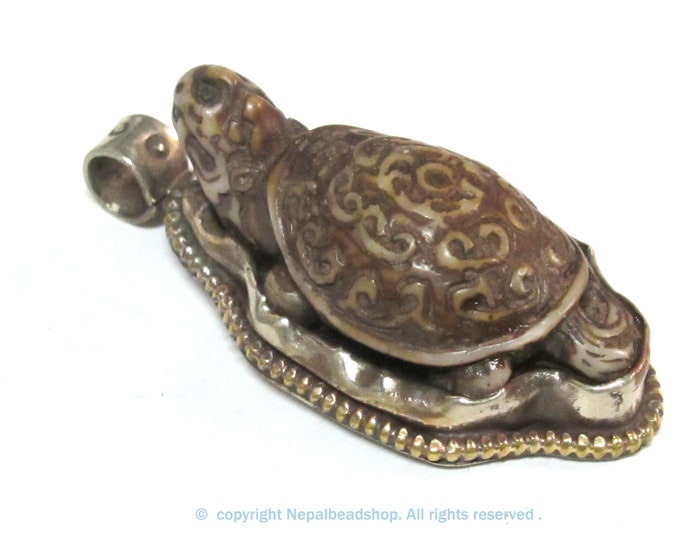 1 Pendant - Tibetan brown color carved Bone turtle tortoise design pendant with floral carving  on reverse side - PB013D