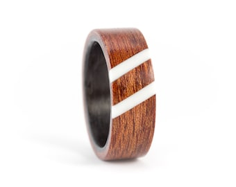 Men's carbon fiber and bentwood ring with corian lines. Water resistant, very durable and hypoallergenic. (03600_8N)
