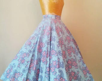 Vintage 1950s Blue and Pink Floral Cotton Circle Skirt, Hibiscus Flower 1950s Skirt, Blue Hawaiian Cotton Circle Skirt, XS Baby Blue Skirt