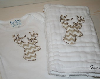 Raggy Deer Baby Gift Set Gender Neutral Personalized Bodysuit and Burp Cloth