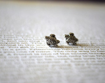 Turtle Earring Studs -- Tiny Silver Turtles, Silver, Sea Turtle Studs, Turtle Earrings
