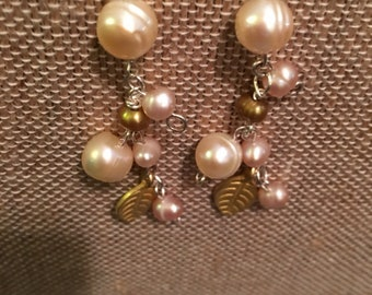 Pearl beads,silver hooks& gold leafs