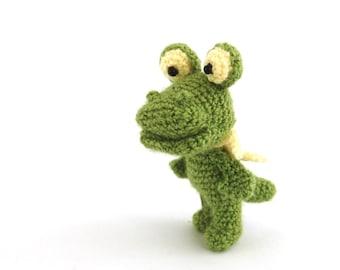 stuffed small crocodile, little crocheted crocodile, amigurumi alligator, miniature raptor animal, gift for kids,