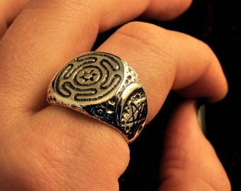 Into Hekate's darkness ring, 925 sterling silver, goddess, greek, Hecate, witch, high priestess, priest, sigil, witchcraft, wicca, moon