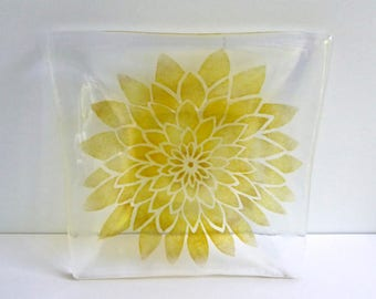 Fused Glass Dahlia Dish by BPRDesigns