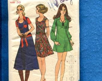 1970's Butterick 5886 Retro Princess Seam Mini Dress with Scoop Neckline Size 14