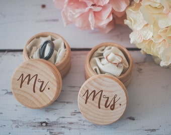 Mr. & Mrs. Ring Box Set, Engraved Wedding Ring Box, Wooden Ring Box, Wedding Gift, Ring Bearer Box, Engraved Wooden Box, Bridal Shower Gift,