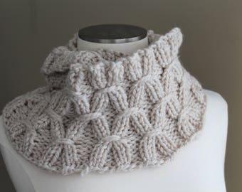Oatmeal Cream Washable Merino Wool Infinity Scarf, Chunky Knit Merino Cowl Soft Scarf, Warm Winter Scarf, Hand Knit Merino ScarfLuxury Knit
