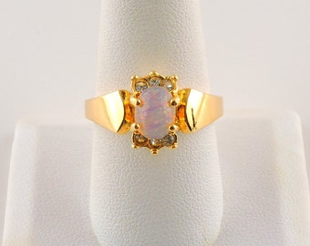Size 9 Gold Tone 1.5ct Oval Opalescent Ring With Accent Stones