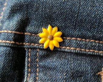 Sunflower enamel pin, vintage flower lapel pin