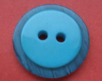 10 light blue buttons blue 20mm (1174)