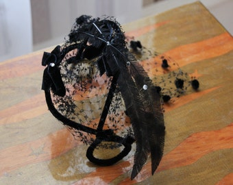 Vintage 1950s Black Feather Fascinator Hat Chic Black Hairpiece Smocked Veil Velvet Bow Headpiece Rhinestone I Love Lucy Black FREE SHIPPING