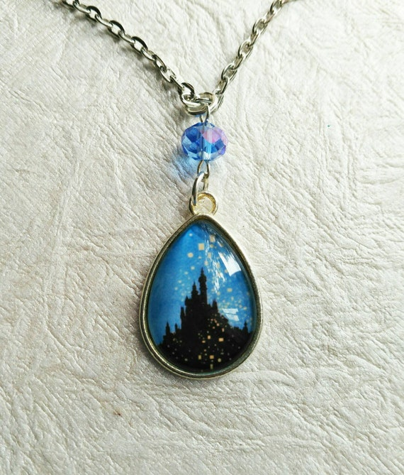 THE CASTLE- Silver 18x25mm Teardrop Pendant Necklace Fairytale Kingdom
