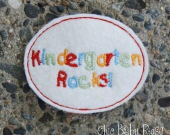 Kindergarten Felsen Wolle Filz Snap Clip von Chic Baby Rose