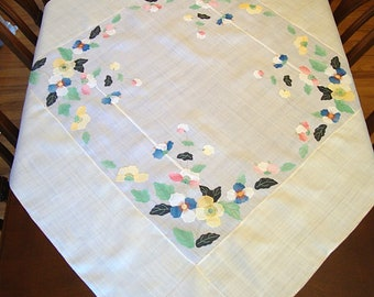 Vintage Linen Tablecloth with Appliqued Flowers 50 x 50 Lovely!