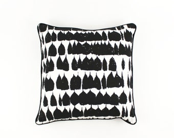 Schumacher Queen of Spain Pillows Both Sides with Contrasting Welting