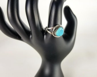 Silver and Turquoise Ring Southwestern Design Vintage Handcrafted size 7 3/4 to 8  -lot3